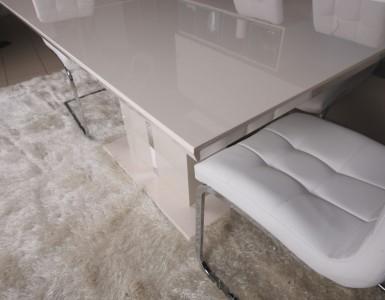 Столы в стиле Модерн