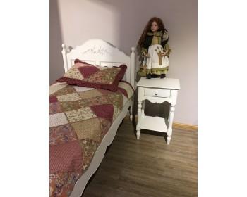 Детская кровать + прикроватная тумба